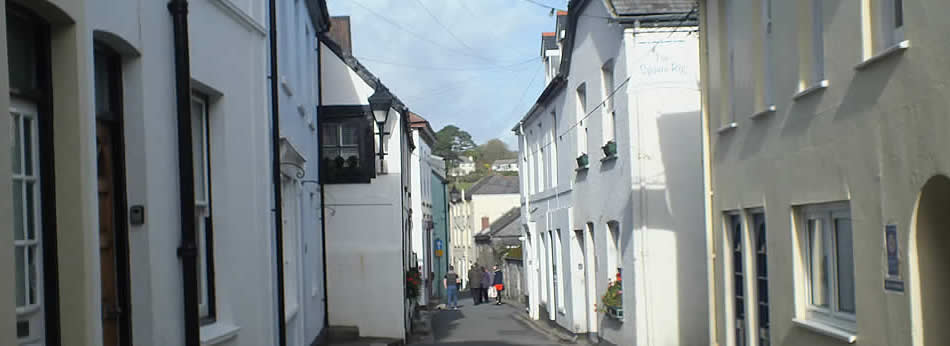 Narrow streets in the old part of Fowey